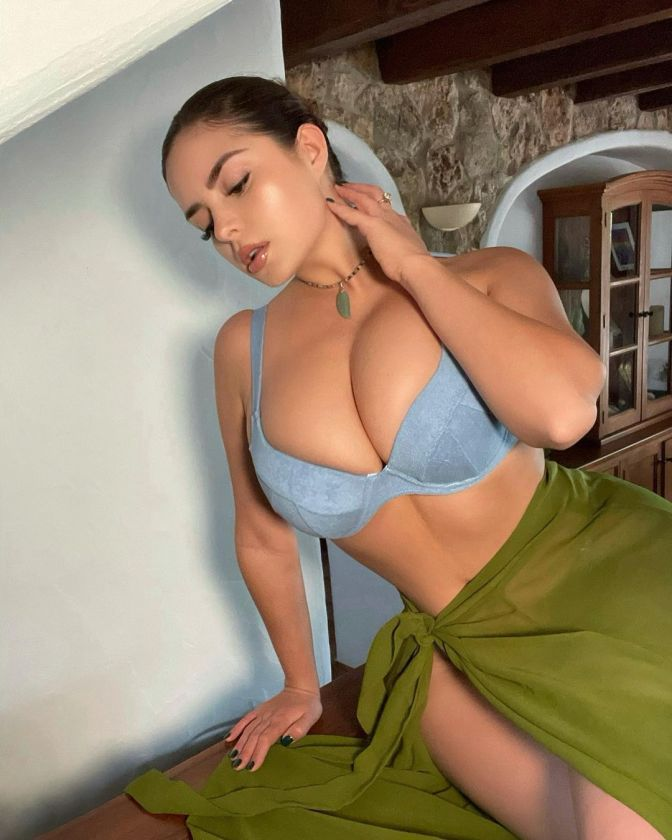 Demi Rose 9 Hot Stunning Sexy Pictures