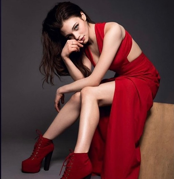 India Eisley 9 Hot Gorgeous Pictures