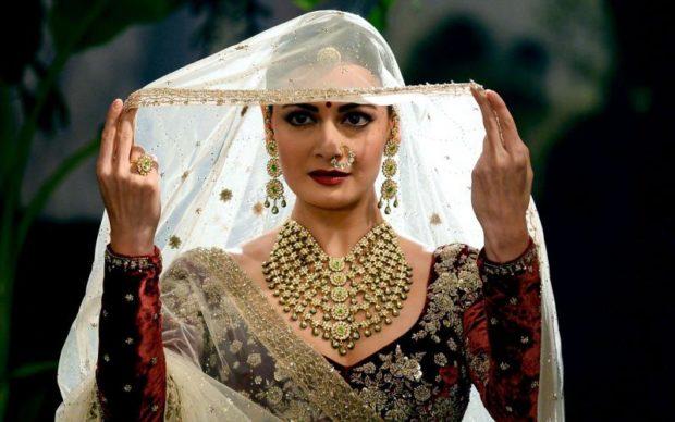 Dia Mirza mesmerizes as a royal bride1 (3)