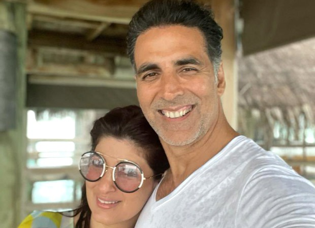 Akshay Kumar shares a happy selfie with Twinkle Khanna as they enjoy their beach vacation