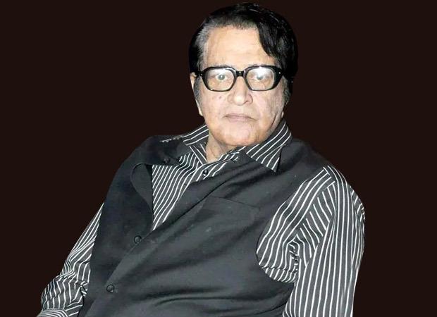 EXCLUSIVE: Manoj Kumar reveals Woh Kaun Thi director Raj Khosla hit himself with 'chappals' for rejecting 'Lag Ja Gale'