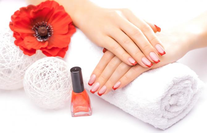 Do Not Use Nail Extensions Or Fake Nails On Un Shapely Always Go For A Fresh Manicure Before You Apply Your Art Extension