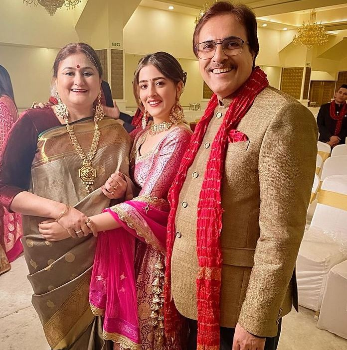 Nupur Sanon with her parents