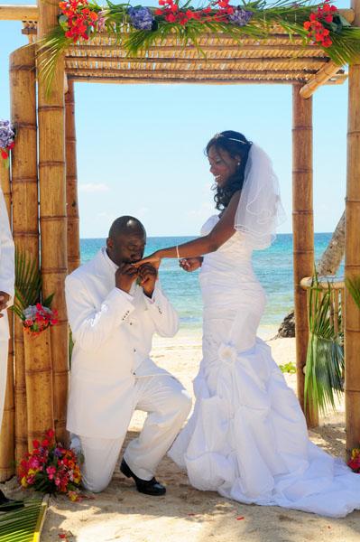Lorena Leonard Bolongo Bay Romance Director