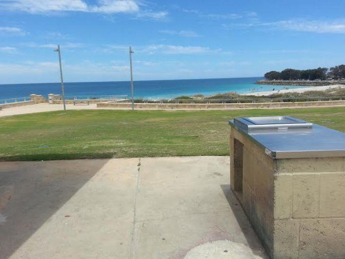 Chapa a gás em Hillarys Beach disponível para uso gratuito em Perth na Austrália