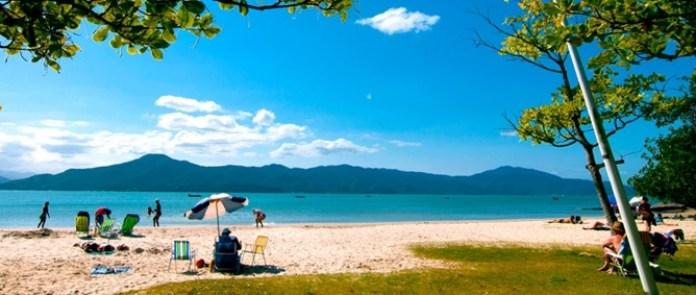 Praia de Daniela é uma das melhores praias de Florianópolis