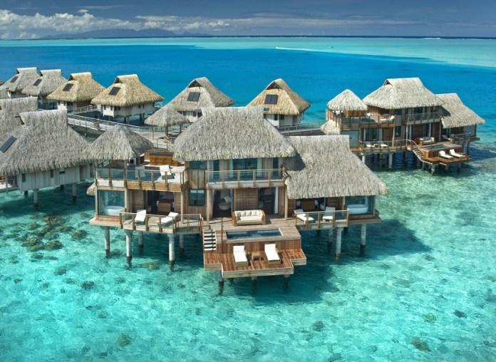 lindo mar de Bora Bora