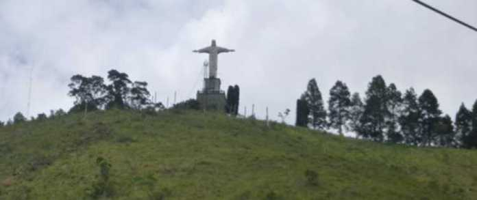 Foto do Cristo e mirante São Domingos (vistos do teleférico)
