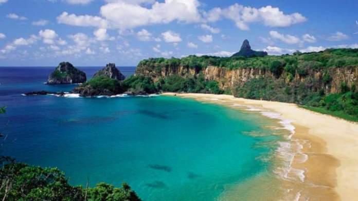 Baía do Sancho em Fernando de Noronha é uma das melhores praias de Pernambuco