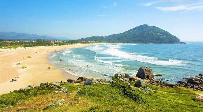 Praia da Ferrugem, Garopaba é uma das praias mais lindas do Sul Brasileiro