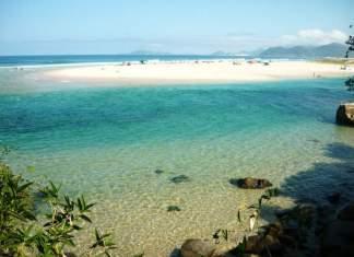 Praia da Guarda do Embaú é uma das praias mais lindas do Sul Brasileiro