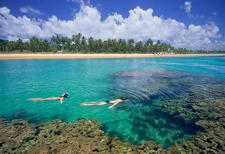 Praia de Taipu de Fora na Bahia é uma das praias mais bonitas do Brasil