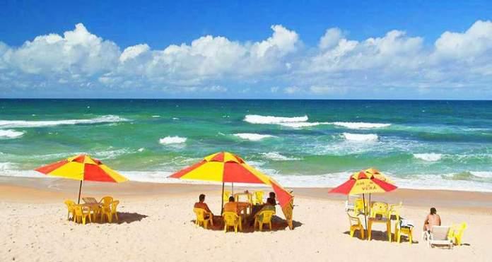 Praia do Flamengo é uma das praias mais bonitas de Salvador