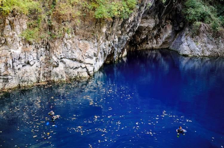 Lagoa da Água Milagrosa é um dos lugares surreais no Brasil