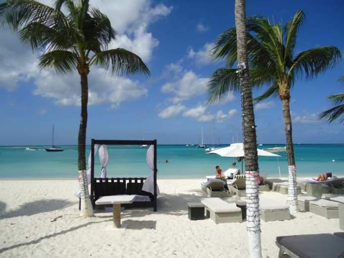 Nikky Beach é uma das melhores praias de Aruba