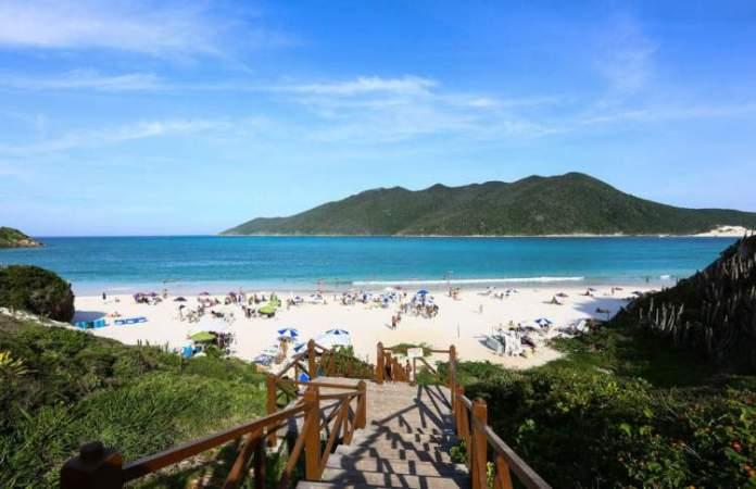 Praia do Pontal do Atalaia é uma das melhores Praias de Arraial do Cabo