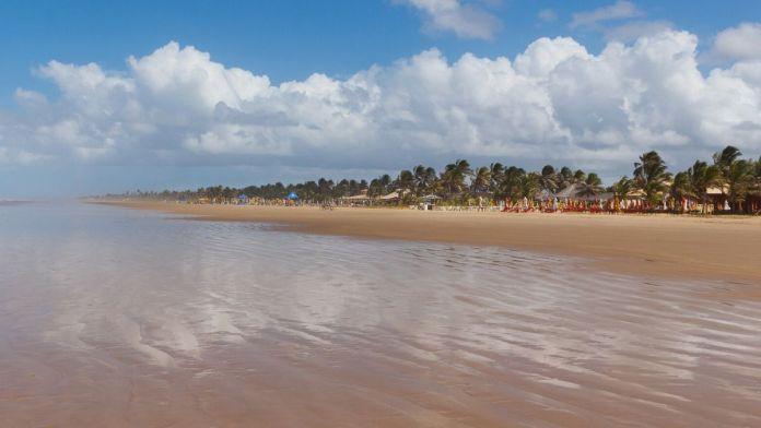 Aruana é uma das melhores praias de Aracaju, Sergipe