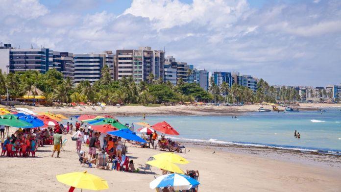Conhecer a praia de Pajuçara é ter certeza que Alagoas é o Caribe brasileiro.
