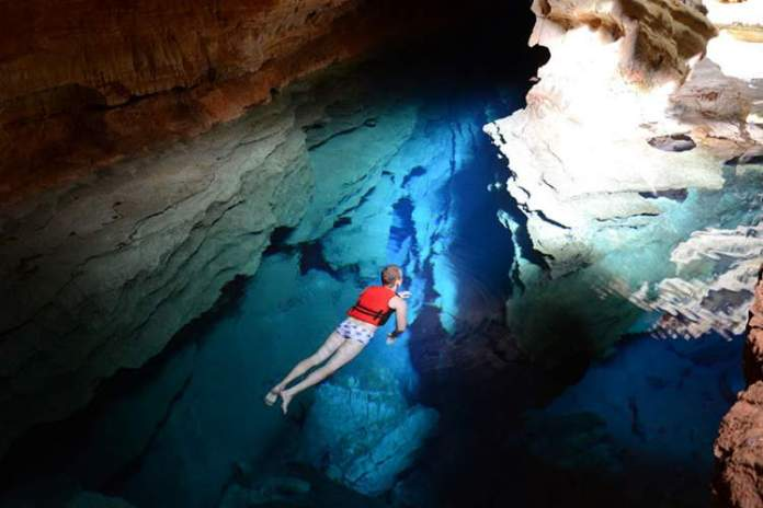 Poço Azul em Andaraí na Chapada Diamantina
