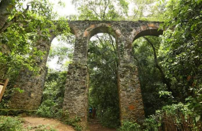 Arqueduto em Ilha Grande