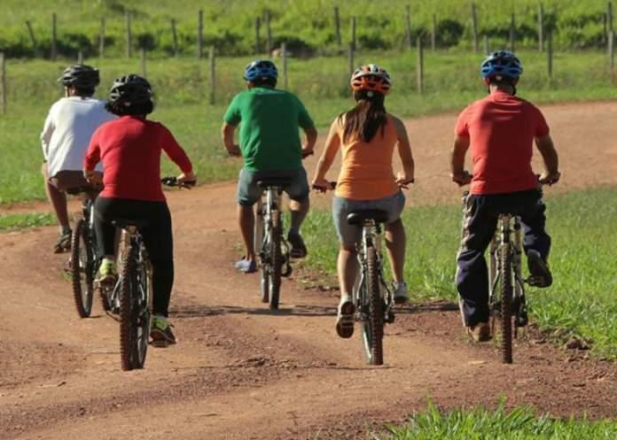 Bike Tour é uma das dicas de o que fazer em Bonito