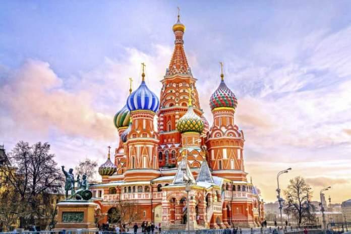 Catedral São Basílio é um dos pontos turísticos em Moscou