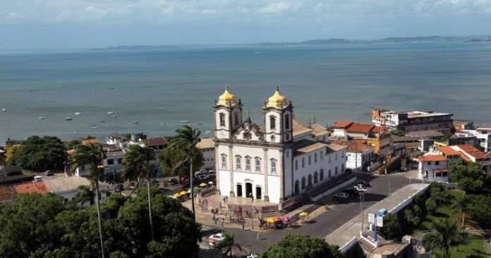 Conhecer a Basílica Nosso Senhor do Bonfim é uma dica de o que fazer em Salvador