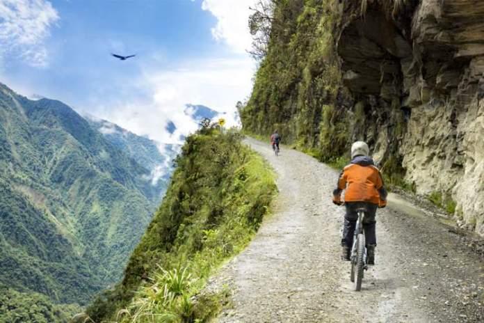 Estrada da Morte é uma das dicas de o que fazer na Bolívia