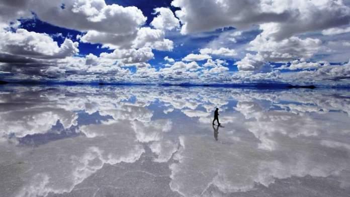 Visitar a Salar de Uyuni é uma das dicas de o que fazer na Bolívia