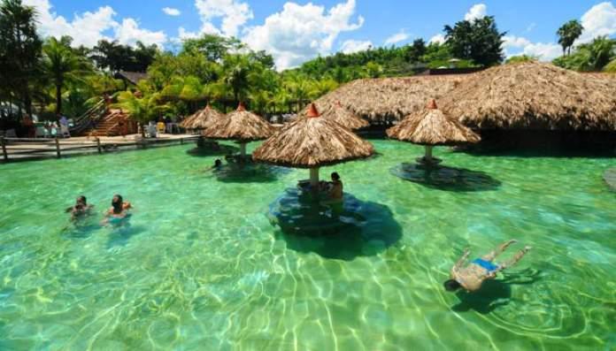 Caldas Novas em Goiás é um dos melhores destinos para viajar em dezembro