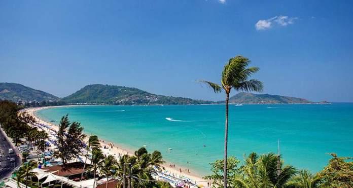 Patong Beach é uma das mais lindas praias da Tailândia
