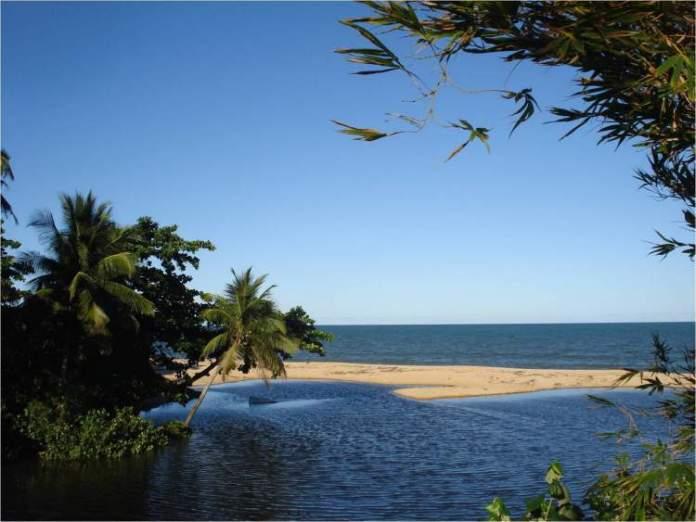 Praia de Rio dos Mangues é uma das 12 praias mais bonitas de Porto Seguro