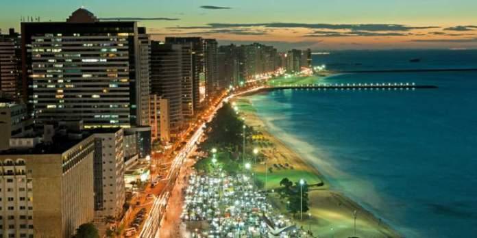 Avenida Beira Mar é um dos Lugares incríveis em Fortaleza