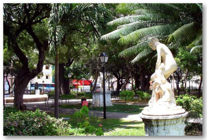 Praça dos Mártires é um dos Lugares incríveis em Fortaleza