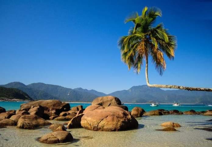 Praia do Aventureiro é uma das melhores praias de Ilha Grande