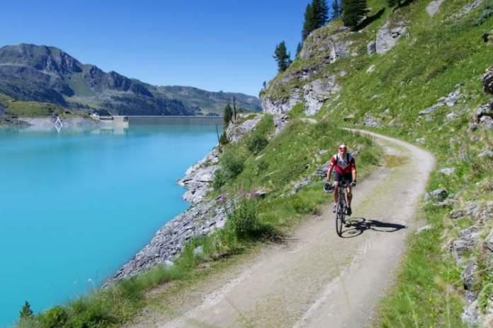 Barragem de Cleuson é um dos lugares na Suíça com paisagens deslumbrantes