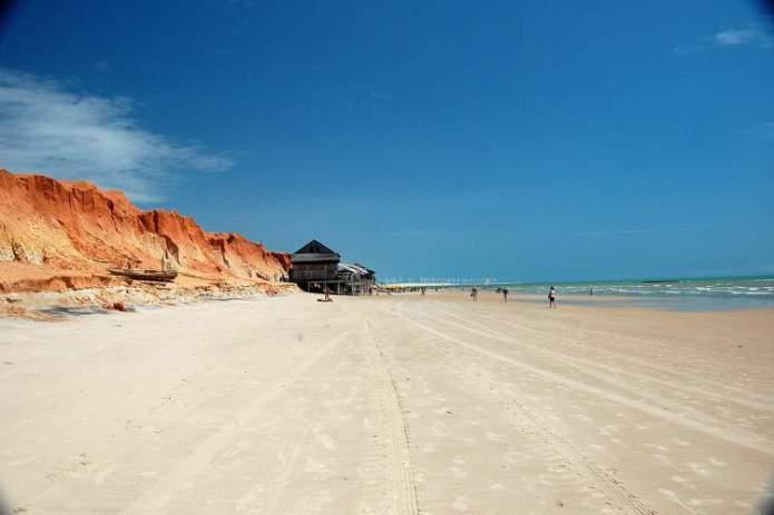 Aracati no Ceará é um dos destinos para viajar barato pelo Brasil