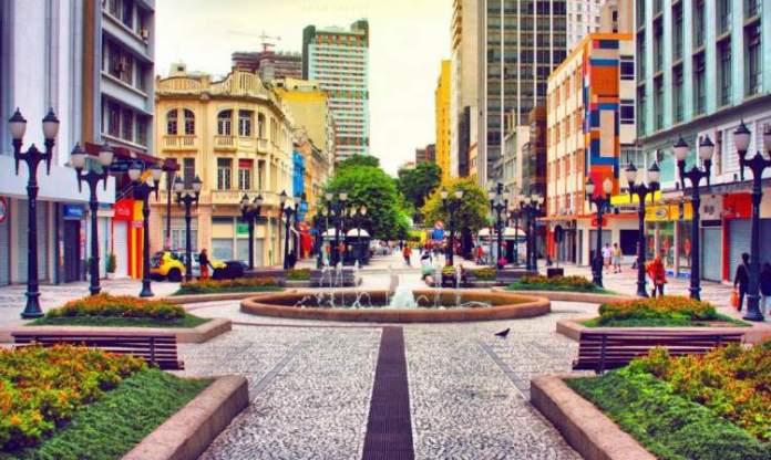 Curitiba é um dos destinos para viajar barato no Sul do Brasil
