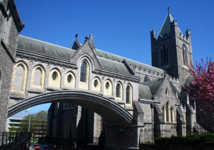 Dublin na Irlanda é uma das cidades medievais que farão você viajar de volta no tempo
