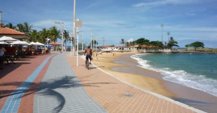 Guarapari é um dos destinos para viajar barato pelo Brasil