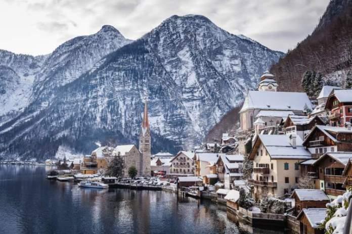Hallstatt é um dos lugares impressionantes que ficam ainda melhores no inverno