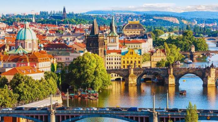 Praga é um dos melhores destinos turísticos da Europa