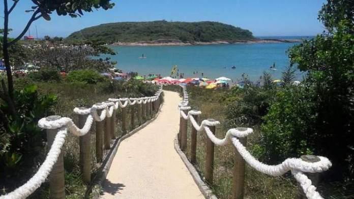 Praia de Bacutia é uma das melhores praias de Guarapari