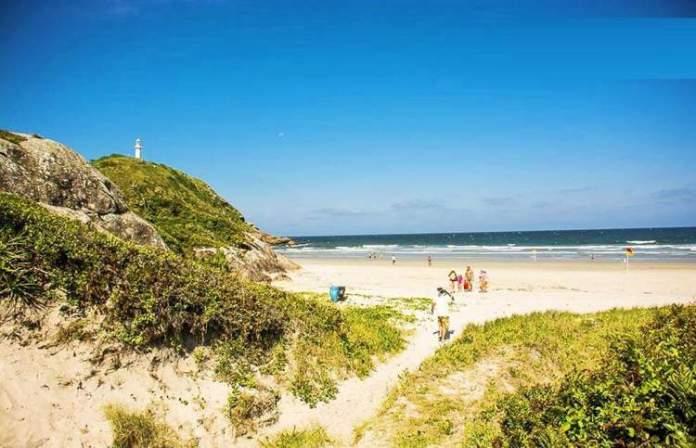 Praia de Fora é uma das melhores praias do Paraná