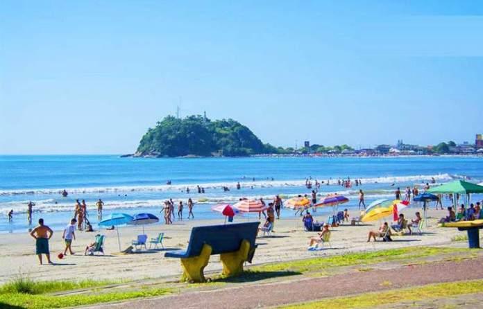 Praia de Guaratuba é uma das melhores praias do Paraná