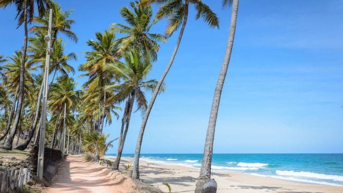 Praia do Seixas é uma das praias mais bonitas de João Pessoa.