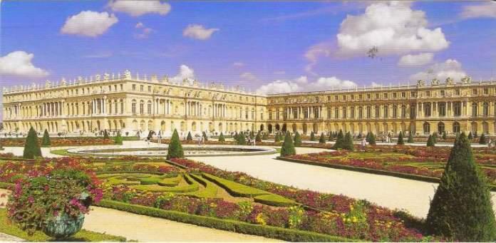 Ser perto de Paris é um dos motivos para conhecer o Palácio de Versalhes