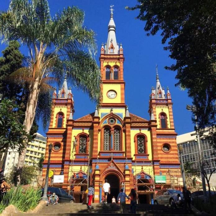igrejas históricas é um dos pontos turísticos em Belo Horizonte