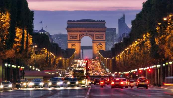 Arco do Triunfo é uma das Atrações Gratuitas em Paris
