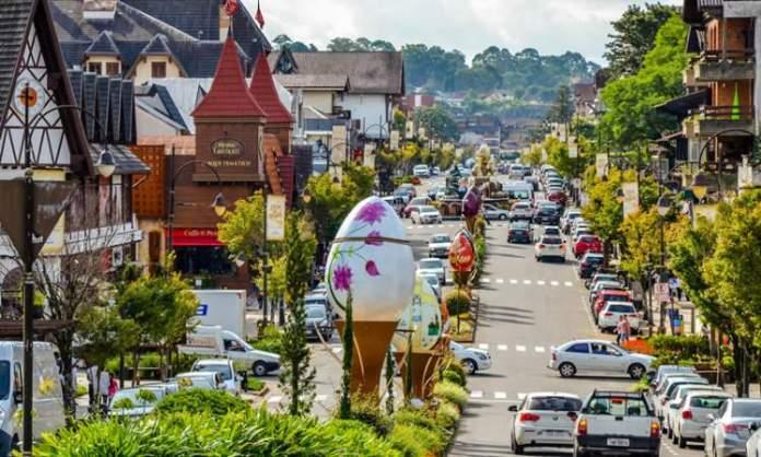 O que fazer em Gramado: Conhecer a Avenida Borges de Medeiros